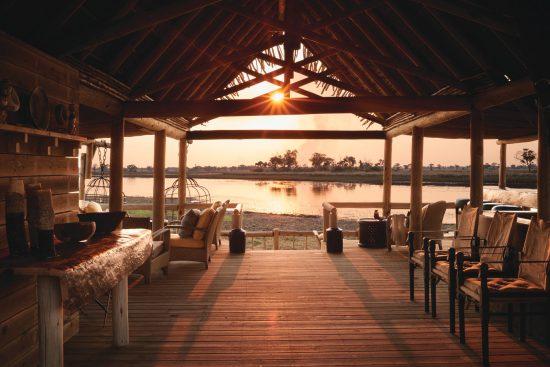 Die Eagle Island Lodge liegt auf einer Insel im größten Binnendelta der Welt.