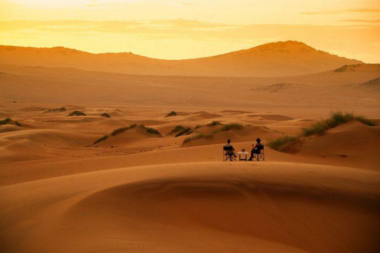 Wer einmal in die Wüste Afrikas gereist ist, kommt mit ganz eigenen Erinnerungen und Zitaten zurück