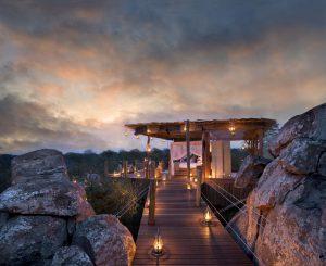 Suite à ciel ouvert sur une plateforme surélevée au Parc National Kruger