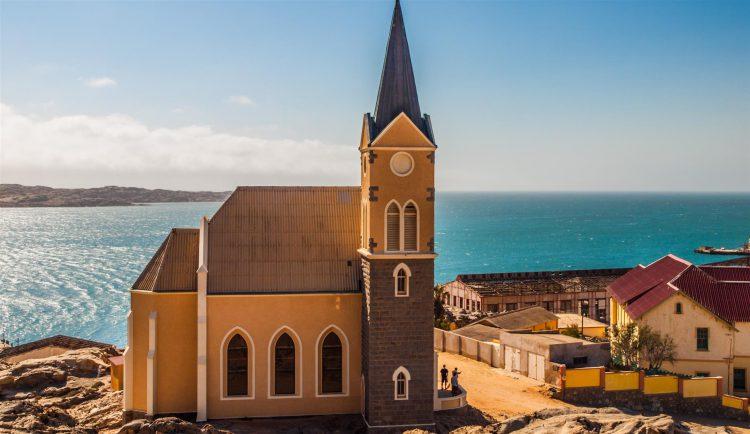 Église allemande dans la ville de Lüderitz, témoignage de l'époque coloniale.