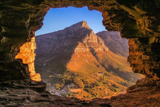 Panoramique depuis Wally's cave sur Lion's Head, montagne de la plus belle ville du monde.