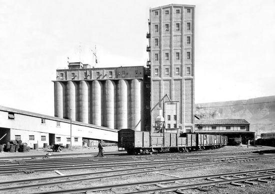 The original grain silo, operational in 1924