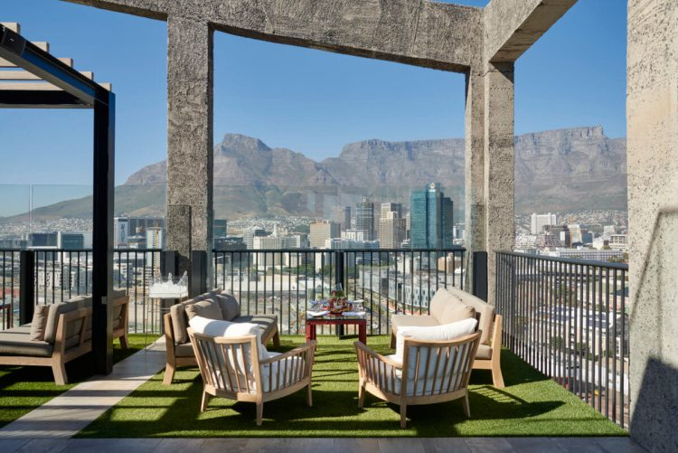 The Silo, meilleurs rooftops cape town, avec sa vue sur Table Mountain.