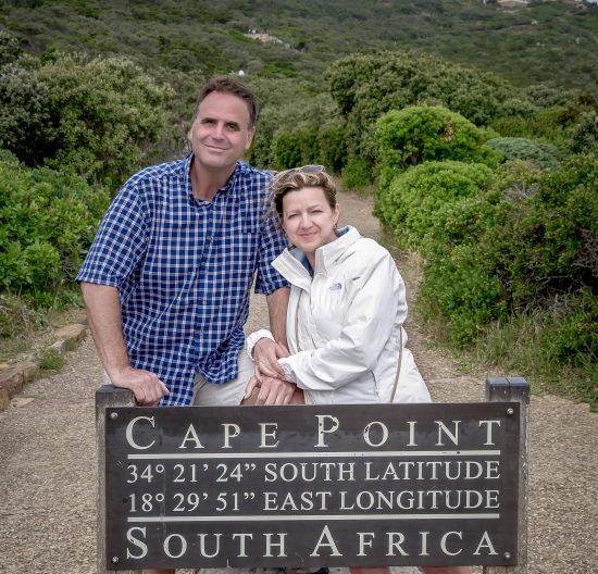 Alex Hill e sua esposa em visita a Cape Point, na Cidade do Cabo