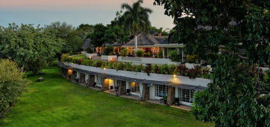 En Victoria Falls Town encontrarás hoteles tan lujosos como Ilala Lodge.