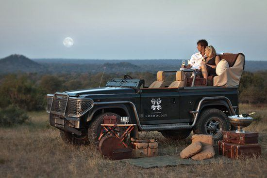Casal desfruta de experiência exclusiva de safári na Reserva Londolozi, África do Sul