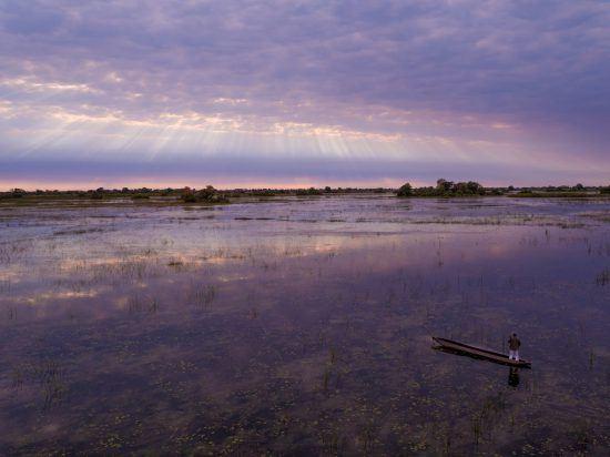 Das Okavango Delta lockt genauso wie der Chobe Nationalpark das ganze Jahr über.