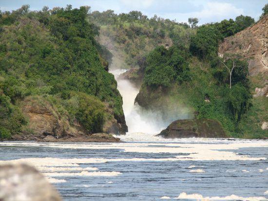 Murchison Falls - by sarahemcc