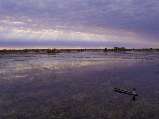 mokoro boat trip okavango delta botswana