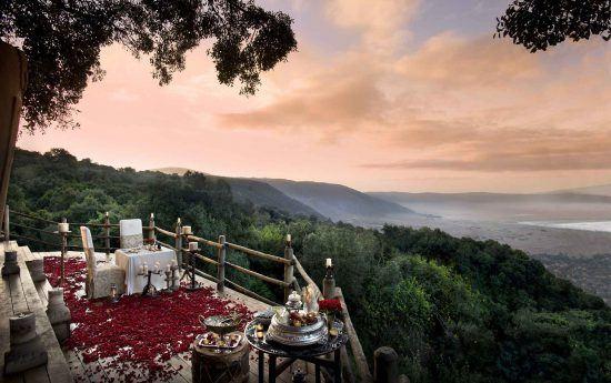 Romantisches Abendessen in der Ngorongoro Crater Lodge