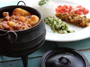 Potjiekos, plato tradicional de Namibia