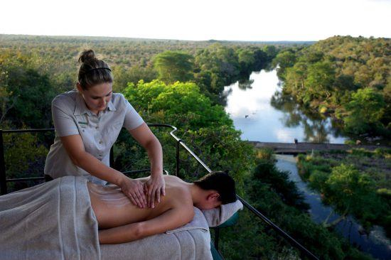 Massage vor der Traumkulisse rund um die Singita Lebombo Lodge