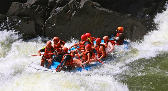 Rafting — aventura em Victoria Falls