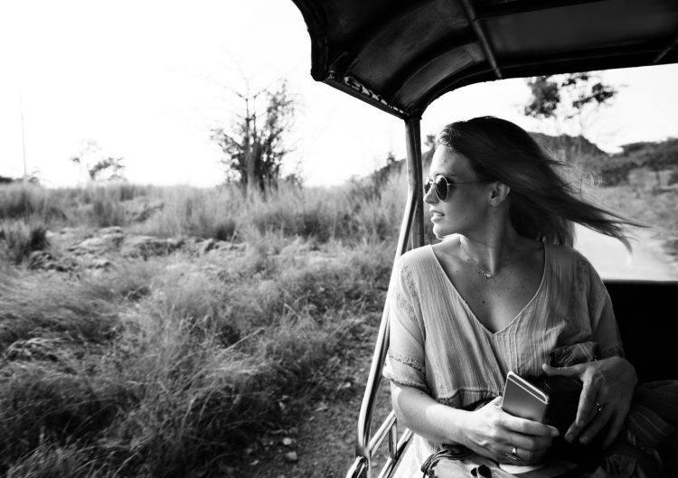 Empaca para un safari ropa ligera, cómoda, neutra y por capas