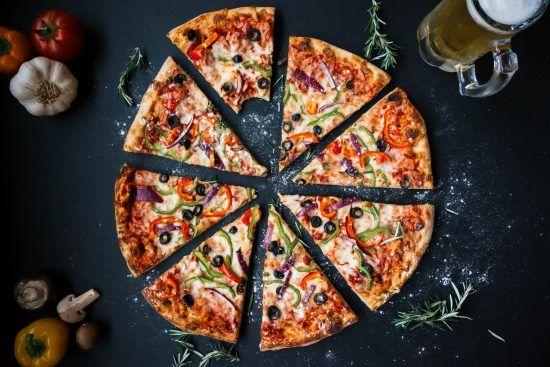 Pizza aus der Vogelperspektive