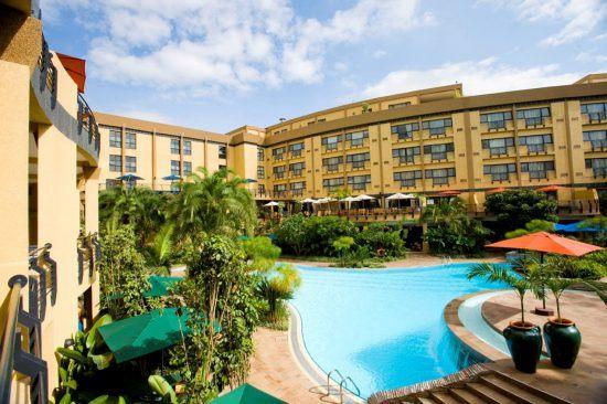 Poolbereich im Hotel