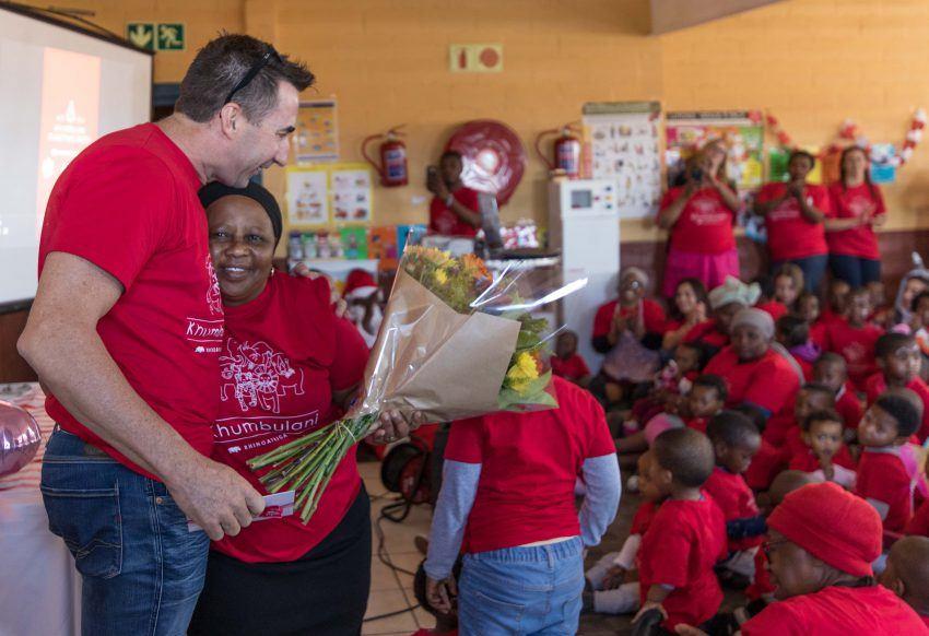 Agradecimiento de David Ryan a Mama Gloria al final de los festejos en Khumbulani