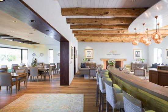 Sala de degustação e restaurante de Rupert & Rothschild nas Vinhas do Cabo, África do Sul