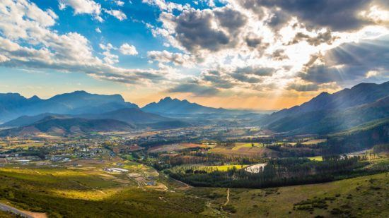 Vale de Franschoek nas Vinhas do Cabo, África do Sul
