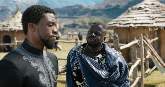 """Chadwick Boseman e Daniel Kaluuya durante cena do filme """"Black Panther"""""""