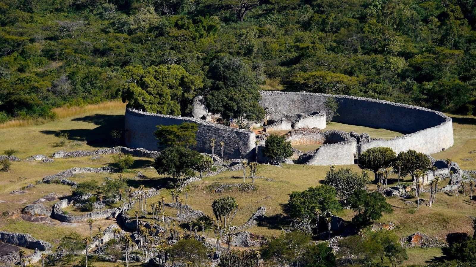 Afrikanische Königreiche: Die Ruinen von Groß Simbabwe