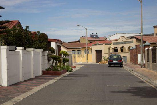 Ein schickes Wohnviertel in Langa in der Metropolregion Kapstadt