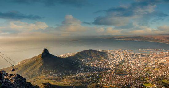 Lion's Head, Signal Hill, Kapstadt und die Table Bay vom Tafelberg aus