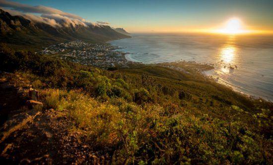 Sonnenuntergang über Camps Bay vom Lion's Head aus - die besten Aktivitäten in Kapstadt