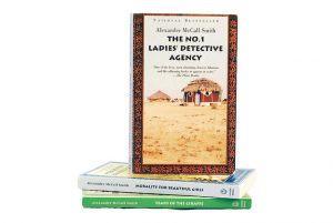 Uno de los muchos libros sobre África es La primera agencia de mujeres detectives, de Alexander McCall