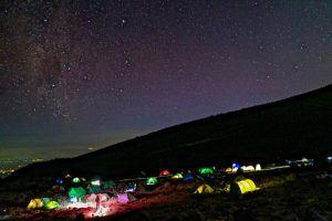 Nachtlager bei einer Kilimandscharo-Besteigung