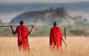 Guerriers Maasaï dans la région du Lac Manyara, Tanzanie