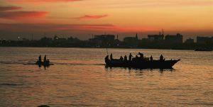 Vue du port de Dar-es-Salaam au crépuscule, Tanzanie