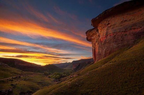 """A mix of coloured sandstone and sunshine casting a """"Golden Hue"""" in Golden Gates Highlands National Park"""
