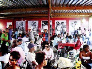 Le restaurant Mzolis au Cap