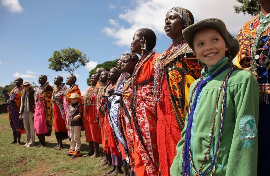 elf Personen, davon zehn Massai und ein Kind
