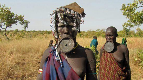 Los Musli, una de las tribus africanas que más importancia le da a su cuerpo