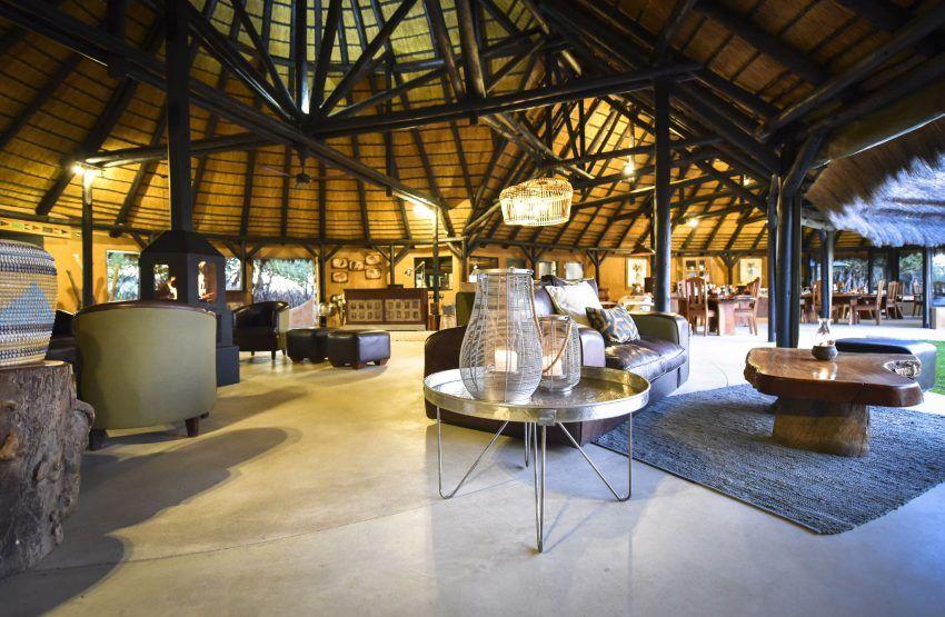 Hauptgebäude der Okonjima Luxury Bush Camp