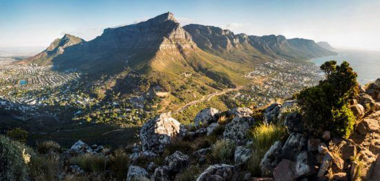 Panoramablick auf den Tafelberg