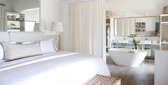 Una de las habitaciones remodeladas de Londolozi