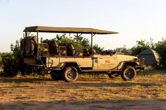 Safari-Fahrzeug im Gonarezhou Nationalpark
