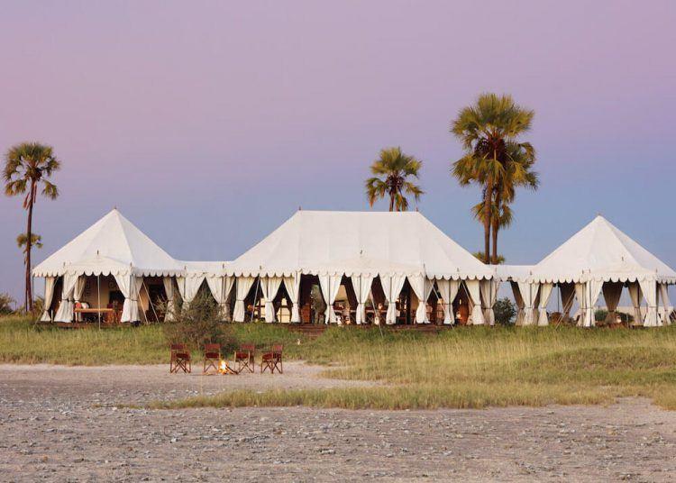 Camp insolite en Afrique : un des plus beaux hôtels de luxe.