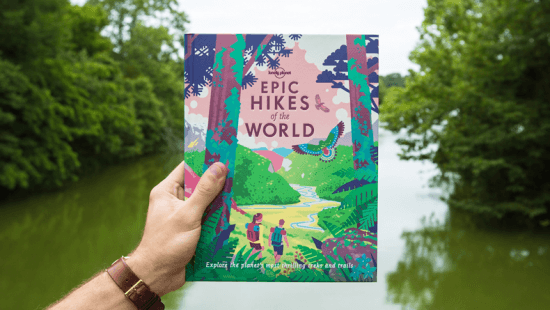 """Livro """"Epic Hikes of the World"""" da Lonely Planet foi lançado em 2018 e conta com sugestões de trilhas na África do Sul"""