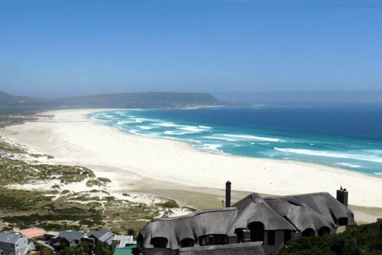 A praia de Noordhoek parece interminável e agrada a todos os tipos de visitantes