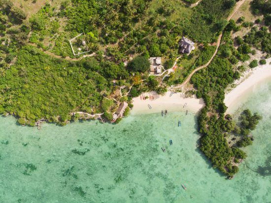 Die paradiesische Küste von Sansibar aus der Vogelperspektive