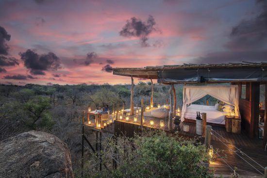 Baumhaus von Lion Sands bei Sonnenuntergang