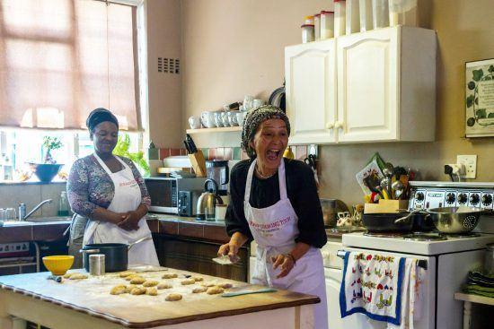 Zainie in ihrer Küche im Bo-Kaap