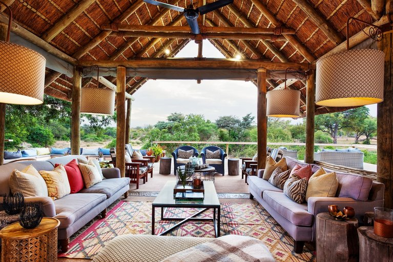 The main lounge area at Thornybush Game Lodge