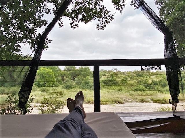 Relaxen im Busch - jede Suite der Jock Safari Lodge hat eine private Sala