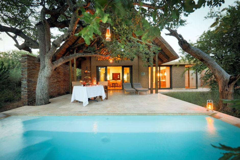 Familienfreundliche Lodges im Krüger: Das Kapama Southern Camp mit Swimmingpool in einer Luxusvilla