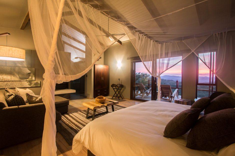 Honeymoon Villa at Rhino Ridge Safari Lodge